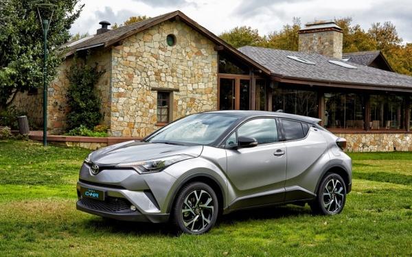 Грядущее обновление Toyota C-HR